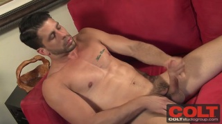 cuban hunk ray han beating off
