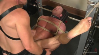 connor maguire gives derek pain a torturous workout