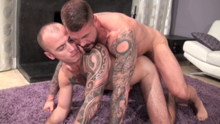 Rocco Steele bare fucks Cam Christou