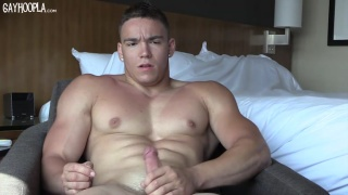 laid back bodybuilder jacking his bone