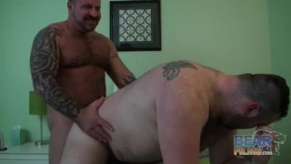 muscle bear Marc Angelo fucks Rex Blue