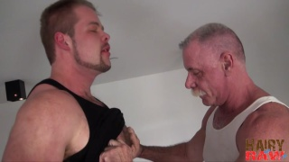 beefy muscle hunk fucks silver daddy
