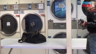 Kamel meets Ken Foster in the laundromat