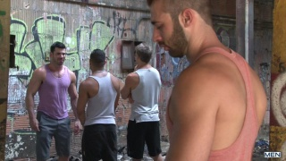 Jarec Wentworth fucks hairy hunk billy santoro