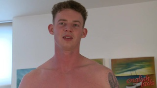 Tall Lad Tom Wanks his 9-Inch Cock