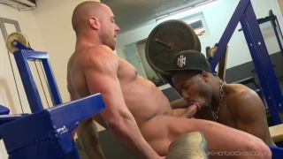 black guy blows his trainer in the gym
