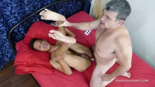 daddy lubes up his raw cock ...