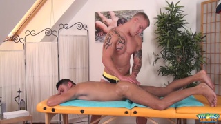 slim lad gets handjob from his beefy masseur