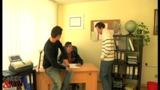 guys force office worker to blow them