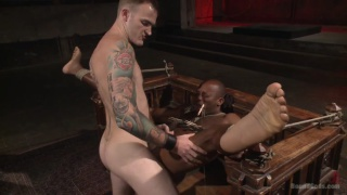 houe dom Christian Wilde has new trainee Osiris Blade in his dungeon