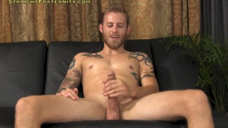 bearded blond Shawn jacks off
