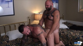 masseur fucks his hairy muscle bear client