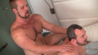 Eric Schwanz Takes Bryan Knight?s Uncut Raw Cock