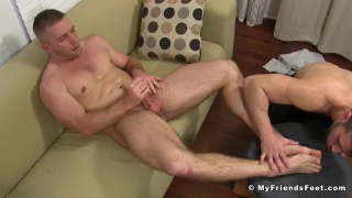 Scott Riley gets his sexy feet worshipped