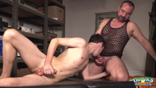 masseur Paris Nio fucks twink Luke Taylor on the table