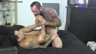 inked man worships stud's size 10 feet