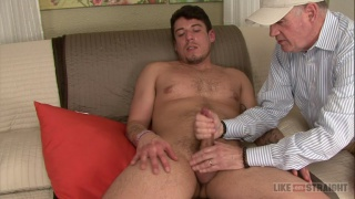 Straight bearded guy Chuck gets a handjob