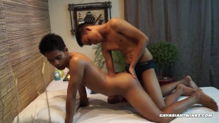 asian Masseur Fucks his client's ass