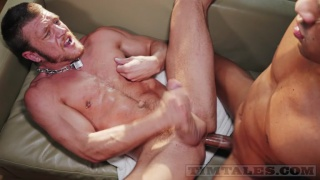 Caio Veyron fucks Caleb King