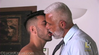 guarda il video: My Professor with Pietro & Robbie