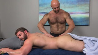 hairy muscle hunk Tatum Parks gets fucked raw