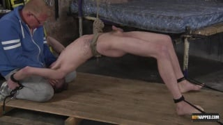 Sebastian Kane using twink cocksucker Tristan Crown