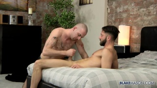bald stud fucks bearded guy's ass