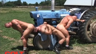 muscle hunk threeway with Luke Garrett, Gage Weston and Carlo Masi