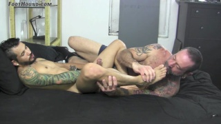 draven torres gets his feet worshipped