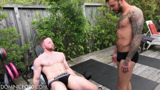Video ansehen Sean Knight and Cris Knight workout and fuck