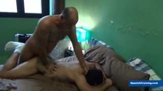 older man fucks a beefy bottom's ass