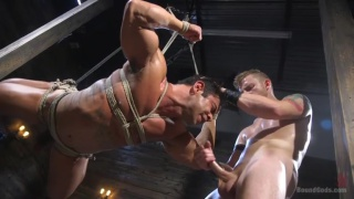 bodybuilder Draven Navarro helpless restrained