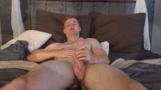 Ondra Faber pleasures himself in first JO video