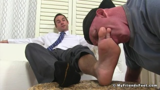 Cameron Kincade gets his feet worshipped