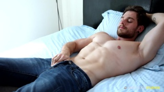 muscle hunk Matty Strong jerks off