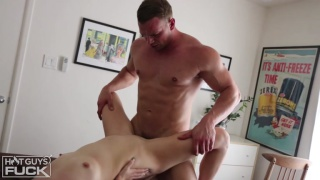 BIG Bodybuilder Dorian James FUCKS Tori Blue