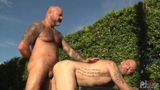 regarder la vidéo: scotty Rage fucks D. Arclyte in outdoor session