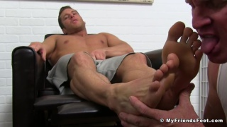 Rod Peterson gets his feet worshipped