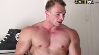 muscle man dorian james in first JO video