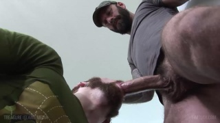 Drew Sebastian gets sucked off by Pete Summers