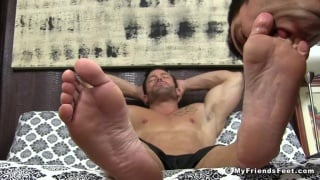 Joey D gets his size 12 feet worshipped