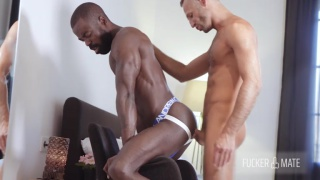 vADIM ROMANOV fucks PETER CONNOR with his huge cock