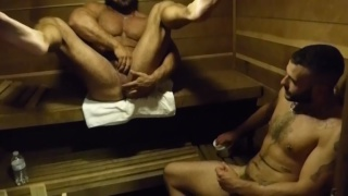 BIG MUSCLE men fuck in the sauna