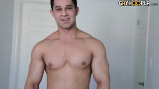 Young Bodybuilder Chris Fields Shows Off
