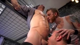 Jeremy Spreadums gets milked by two horny inmates