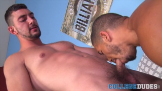 Mike Maverick fucks Chase Klein