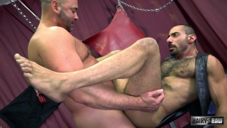 Amir Badri bottoms bareback for Tyler Reed