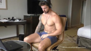 bearded aussie rugby stud Charlie jerks his dick