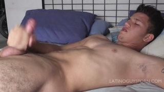 Sergio showers then jerks off in bed